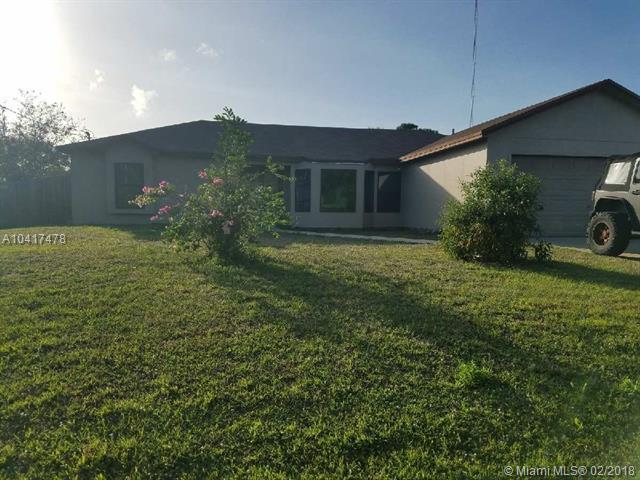 2256 SE Lucaya St, Port St. Lucie, FL 34952 (MLS #A10417478) :: Prestige Realty Group