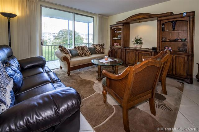 2903 Point East Dr K301, Aventura, FL 33160 (MLS #A10417584) :: Green Realty Properties