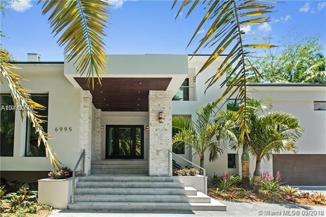 6995 Prado Blvd, Coral Gables, FL 33143 (MLS #A10417771) :: The Riley Smith Group