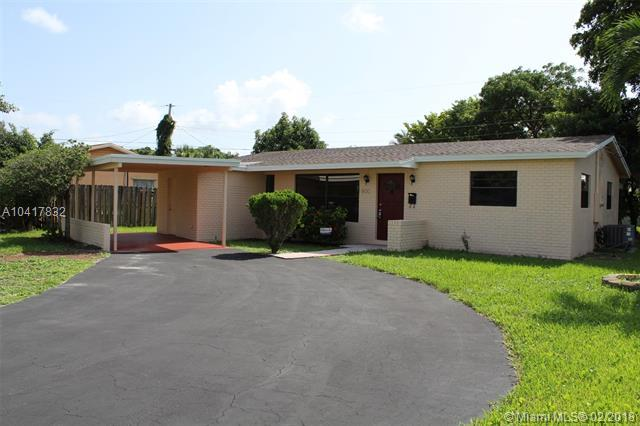 800 NW 66 Ave, Margate, FL 33063 (MLS #A10417832) :: The Teri Arbogast Team at Keller Williams Partners SW