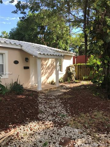 1612 NW 5th Ave, Fort Lauderdale, FL 33311 (MLS #A10418594) :: The Teri Arbogast Team at Keller Williams Partners SW