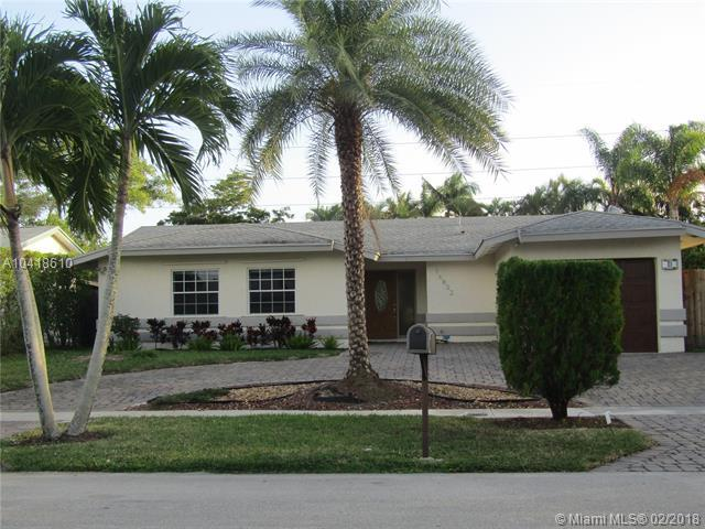 16832 SW 5th Way, Weston, FL 33326 (MLS #A10418610) :: Green Realty Properties