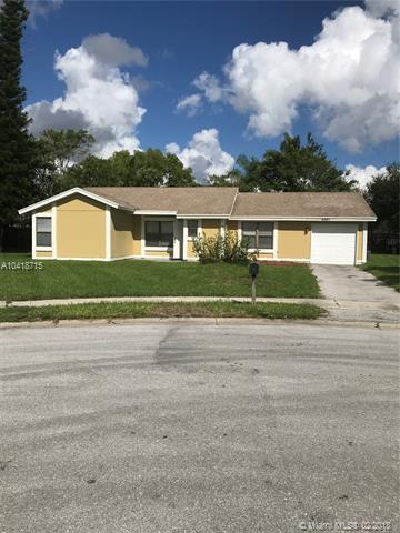 5591 Cynwyd Cir, Lake Worth, FL 33463 (MLS #A10418715) :: Stanley Rosen Group