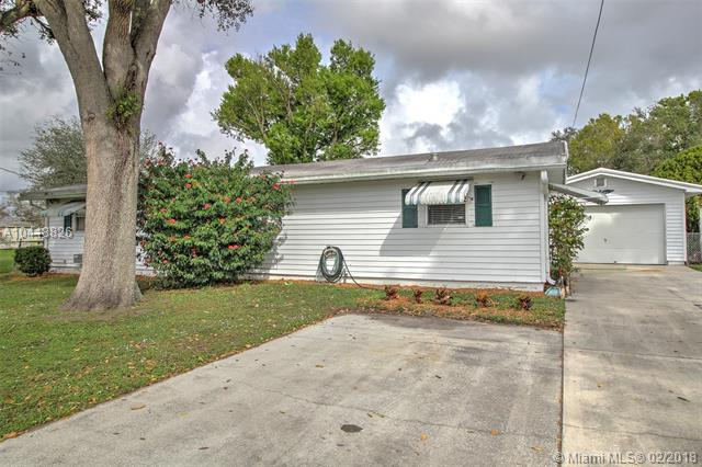 3119 SE 23rd St, Other City Value - Out Of Area, FL 34974 (MLS #A10418826) :: The Teri Arbogast Team at Keller Williams Partners SW