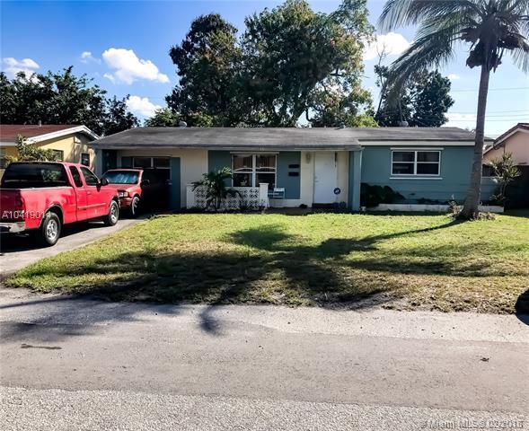 2421 Sabal Palm Dr, Miramar, FL 33023 (MLS #A10419014) :: United Realty Group