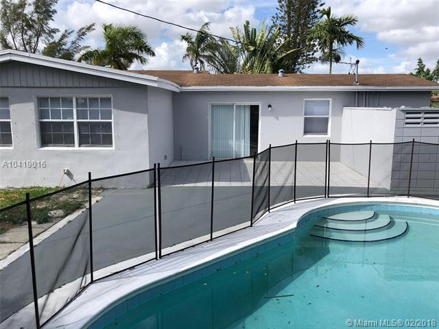 2100 NW 63rd Ave, Sunrise, FL 33313 (MLS #A10419016) :: The Teri Arbogast Team at Keller Williams Partners SW