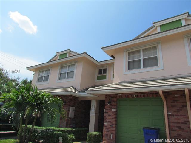 2913 NW 33 Terrace #2913, Lauderdale Lakes, FL 33311 (MLS #A10419028) :: The Teri Arbogast Team at Keller Williams Partners SW