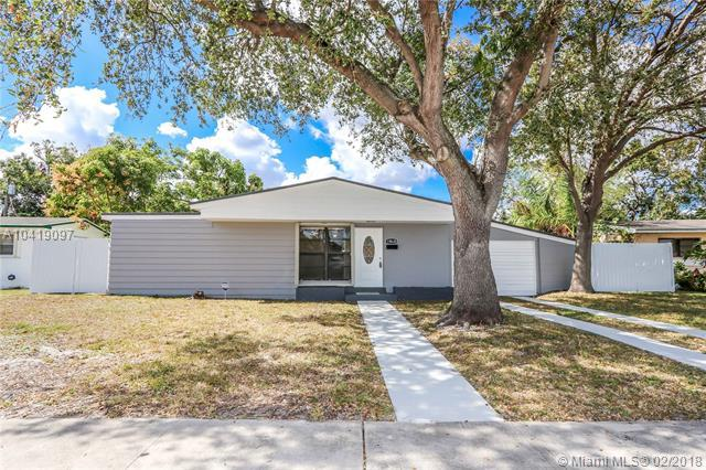 18630 NW 11th Rd, Miami Gardens, FL 33169 (MLS #A10419097) :: The Teri Arbogast Team at Keller Williams Partners SW