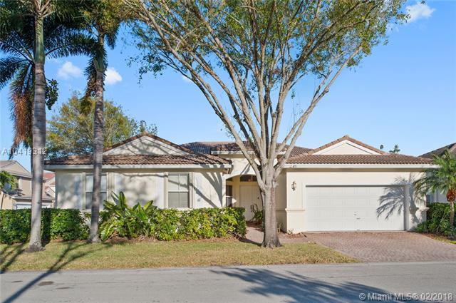 5286 SW 34th Ter, Hollywood, FL 33312 (MLS #A10419312) :: The Teri Arbogast Team at Keller Williams Partners SW