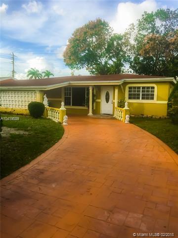 7011 SW 29th St, Miramar, FL 33023 (MLS #A10419589) :: Green Realty Properties