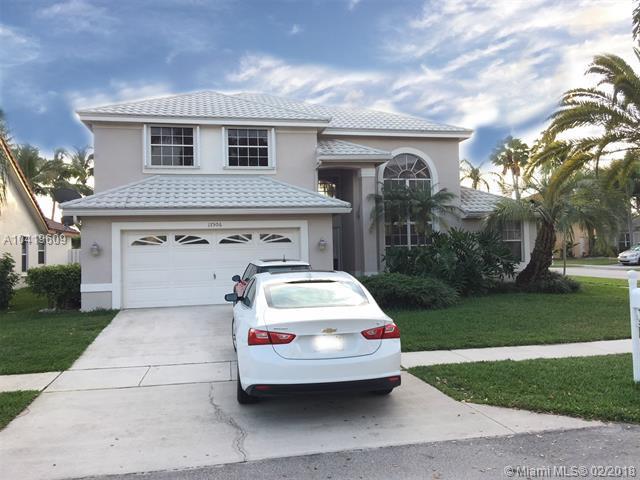 17506 NW 8th St, Pembroke Pines, FL 33029 (MLS #A10419609) :: Green Realty Properties