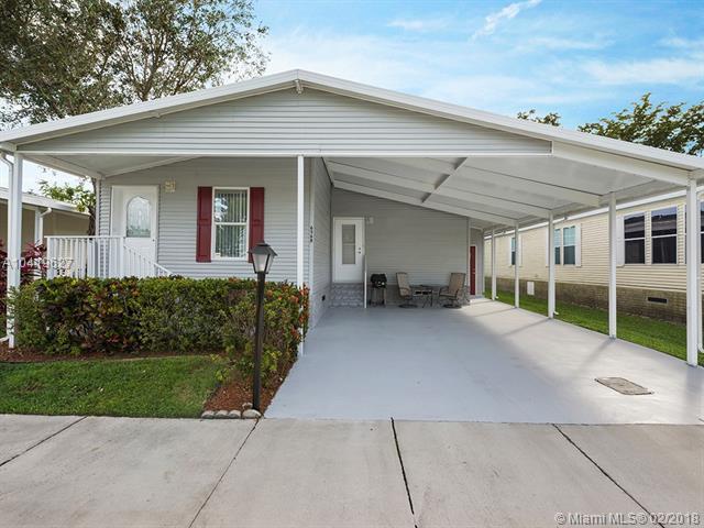 6568 NW 32nd, Coconut Creek, FL 33073 (MLS #A10419627) :: Green Realty Properties