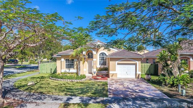 9437 SW 183rd Ter, Palmetto Bay, FL 33157 (MLS #A10419644) :: The Teri Arbogast Team at Keller Williams Partners SW