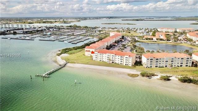 30 E Harbour Isle Dr Ph6, Fort Pierce, FL 34949 (MLS #A10420106) :: The Teri Arbogast Team at Keller Williams Partners SW