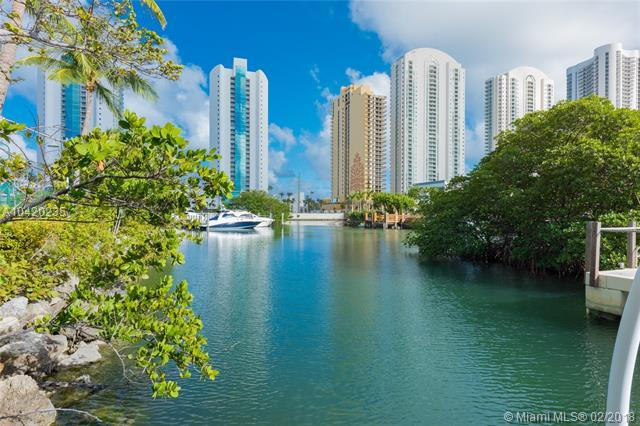 16400 S Collins Ave Th-4, Sunny Isles Beach, FL 33160 (MLS #A10420235) :: Stanley Rosen Group