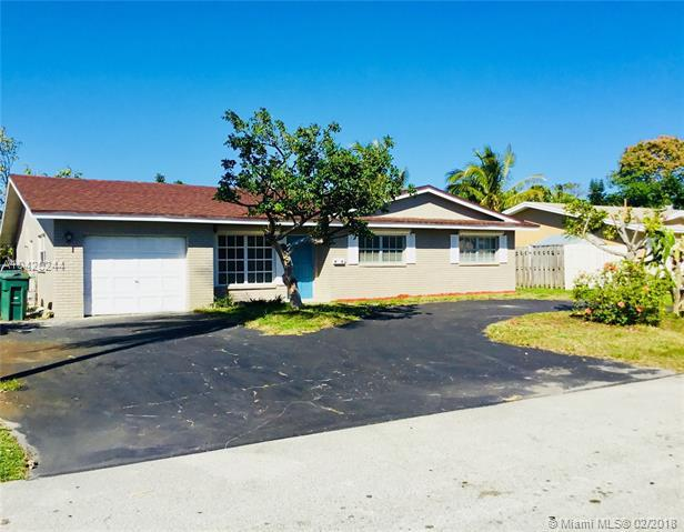 3131 NW 67th Ct, Fort Lauderdale, FL 33309 (MLS #A10420244) :: The Teri Arbogast Team at Keller Williams Partners SW