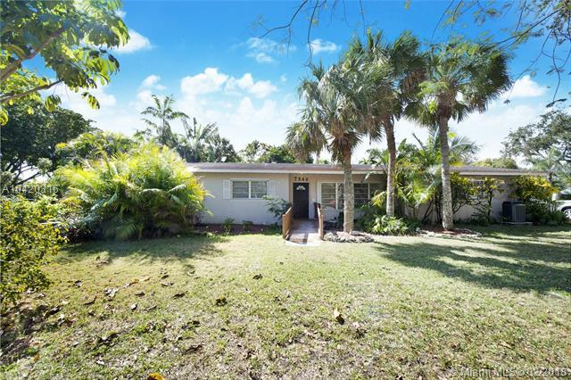 7340 SW 105 Ter, Pinecrest, FL 33156 (MLS #A10420316) :: The Teri Arbogast Team at Keller Williams Partners SW