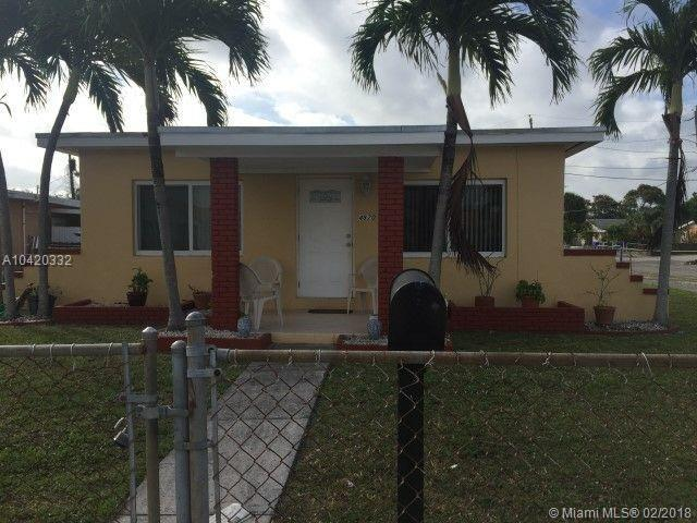 4870 NW 4th St, Miami, FL 33126 (MLS #A10420332) :: The Teri Arbogast Team at Keller Williams Partners SW