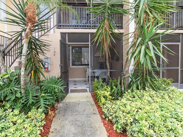 439 Lakeview Dr. #104, Weston, FL 33326 (MLS #A10420418) :: The Teri Arbogast Team at Keller Williams Partners SW
