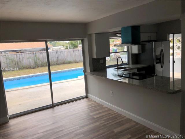 2310 Sabal Pal Dr, Miramar, FL 33023 (MLS #A10420488) :: Green Realty Properties