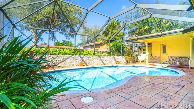 4801 N 36th Ct, Hollywood, FL 33021 (MLS #A10420664) :: Keller Williams Elite Properties