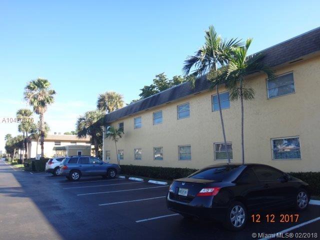 5192 NE 6th Ave #825, Oakland Park, FL 33334 (MLS #A10420876) :: The Teri Arbogast Team at Keller Williams Partners SW