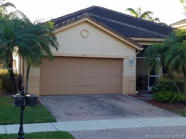 542 Penta Ct, Weston, FL 33327 (MLS #A10420881) :: Green Realty Properties