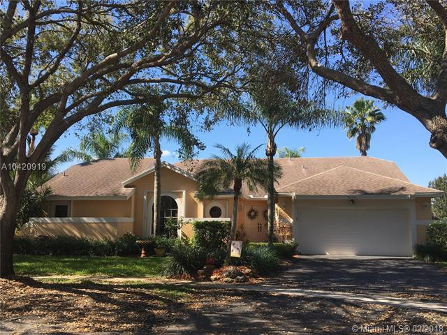 5091 SW 89th Ter, Cooper City, FL 33328 (MLS #A10420919) :: The Chenore Real Estate Group
