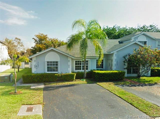 14241 SW 96th Ter, Miami, FL 33186 (MLS #A10421009) :: The Teri Arbogast Team at Keller Williams Partners SW