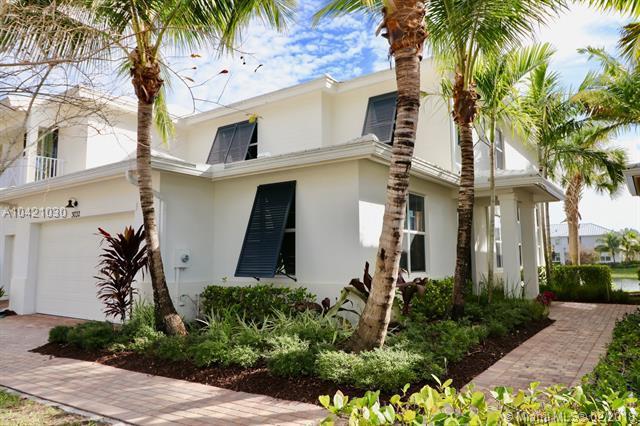 3032 Princeton Lane, Palm Beach Gardens, FL 33418 (MLS #A10421030) :: The Teri Arbogast Team at Keller Williams Partners SW