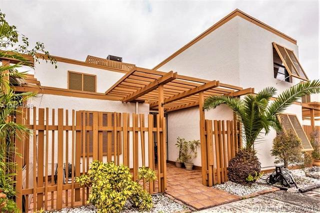 13165 SW 15th Ln, Miami, FL 33184 (MLS #A10421068) :: The Teri Arbogast Team at Keller Williams Partners SW