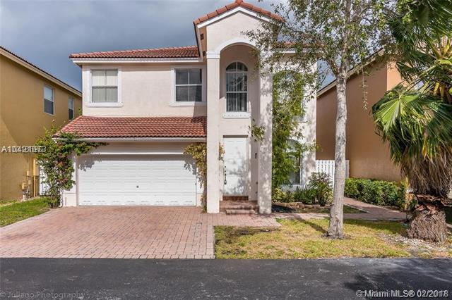 3767 SW 50th Ct, Fort Lauderdale, FL 33312 (MLS #A10421073) :: The Chenore Real Estate Group