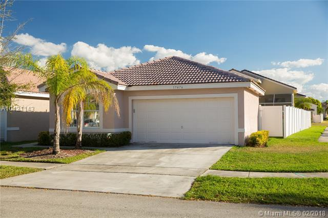17476 SW 20th St, Miramar, FL 33029 (MLS #A10421143) :: The Chenore Real Estate Group