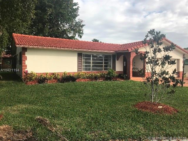 11295 NW 38th St, Coral Springs, FL 33065 (MLS #A10421194) :: United Realty Group