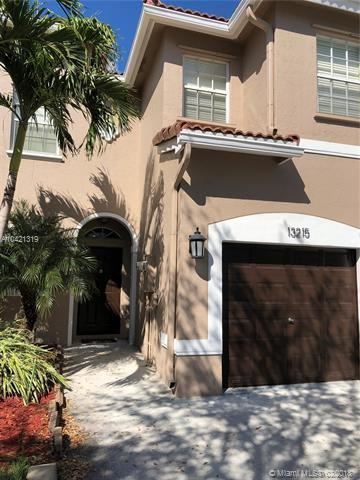 13215 NW 7th Manor #13215, Plantation, FL 33325 (MLS #A10421319) :: Green Realty Properties