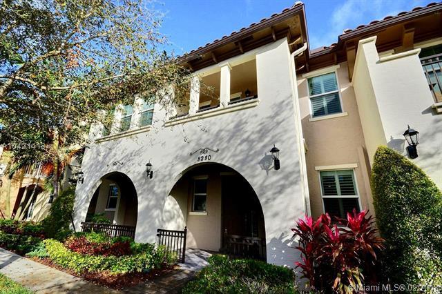 8280 Cascada Isles Dr ., Cooper City, FL 33024 (MLS #A10421413) :: Green Realty Properties