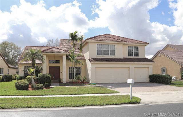19340 NW 10th St, Pembroke Pines, FL 33029 (MLS #A10421474) :: Green Realty Properties