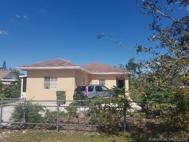 609 NW 12th St, Homestead, FL 33030 (MLS #A10421636) :: The Teri Arbogast Team at Keller Williams Partners SW