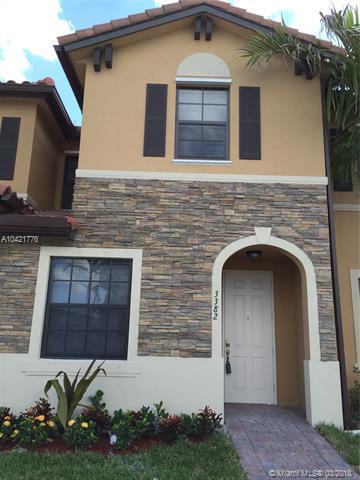 3382 W 92 Pl #1, Hialeah Gardens, FL 33018 (MLS #A10421776) :: Green Realty Properties