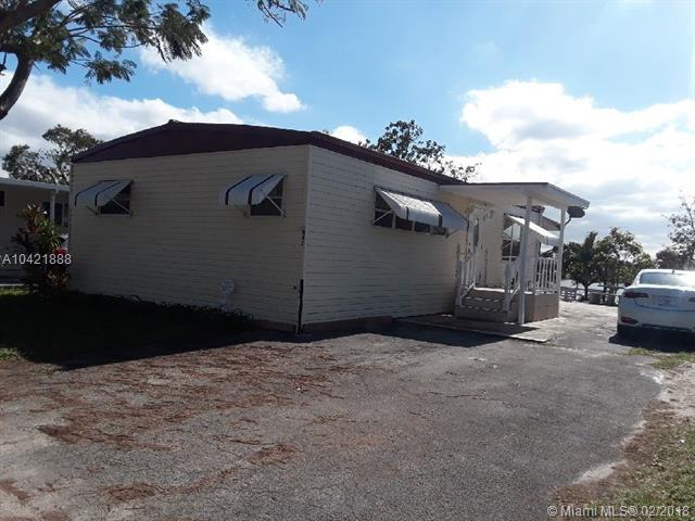 11201 SW 55th St N42, Miramar, FL 33025 (MLS #A10421888) :: The Chenore Real Estate Group