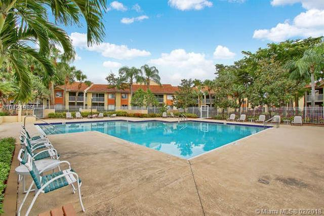 1174 The Pointe Dr #1174, West Palm Beach, FL 33409 (MLS #A10421989) :: The Teri Arbogast Team at Keller Williams Partners SW