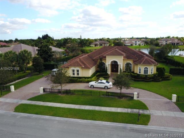 14450 N Jockey Cir N #0, Davie, FL 33330 (MLS #A10422169) :: The Chenore Real Estate Group