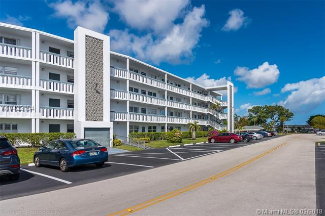 4062 Oakridge F #4062, Deerfield Beach, FL 33442 (MLS #A10422194) :: Stanley Rosen Group