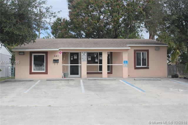 141 E Commercial Blvd, Oakland Park, FL 33334 (MLS #A10422255) :: Stanley Rosen Group