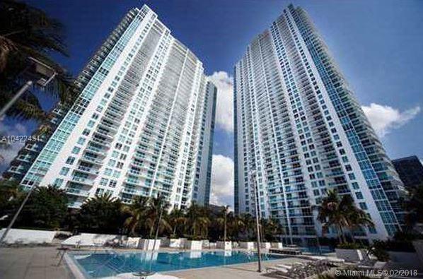 950 Brickell Bay Dr #1000, Miami, FL 33131 (MLS #A10422431) :: The Teri Arbogast Team at Keller Williams Partners SW