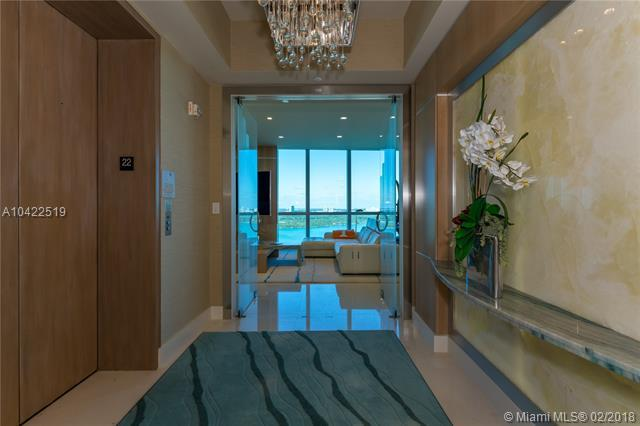 10295 Collins Ave #2204, Bal Harbour, FL 33154 (MLS #A10422519) :: The Chenore Real Estate Group