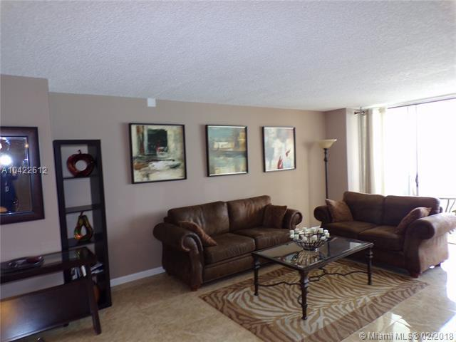 3180 S Ocean Dr #604, Hallandale, FL 33009 (MLS #A10422612) :: The Chenore Real Estate Group