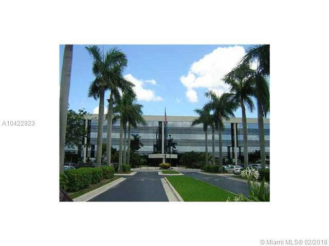 8300 NW 53 #3, Doral, FL 33166 (MLS #A10422923) :: Albert Garcia Team