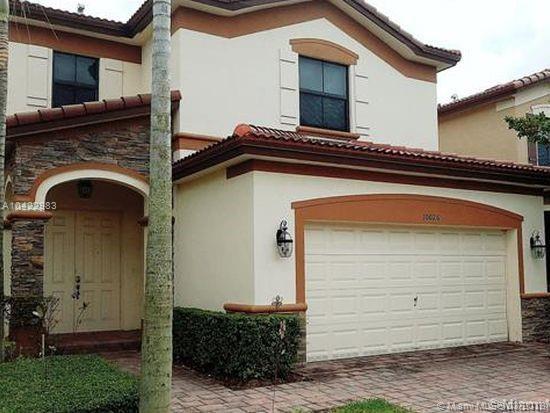 8761 NW 102nd Pl, Miami, FL 33178 (MLS #A10422983) :: Berkshire Hathaway HomeServices EWM Realty