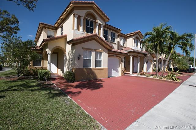 8104 NW 116th Ave #8104, Doral, FL 33178 (MLS #A10423011) :: Albert Garcia Team